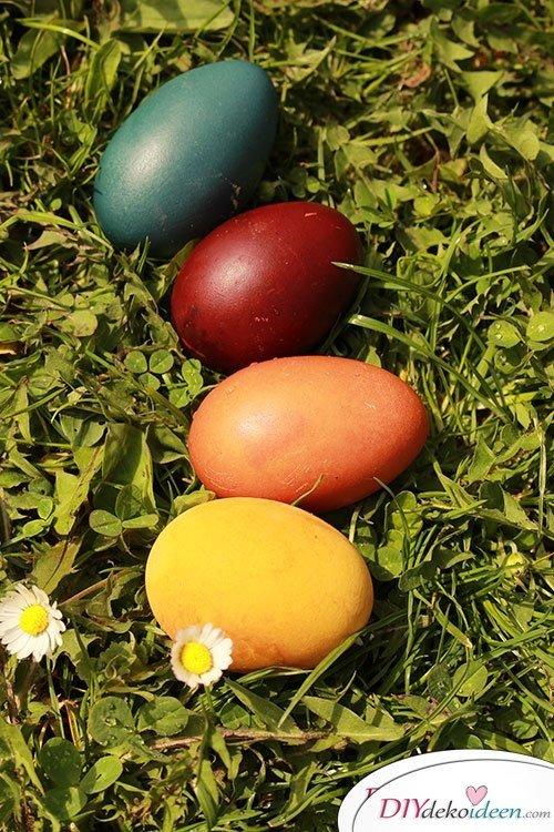 Natürlich Eier färben zu Ostern