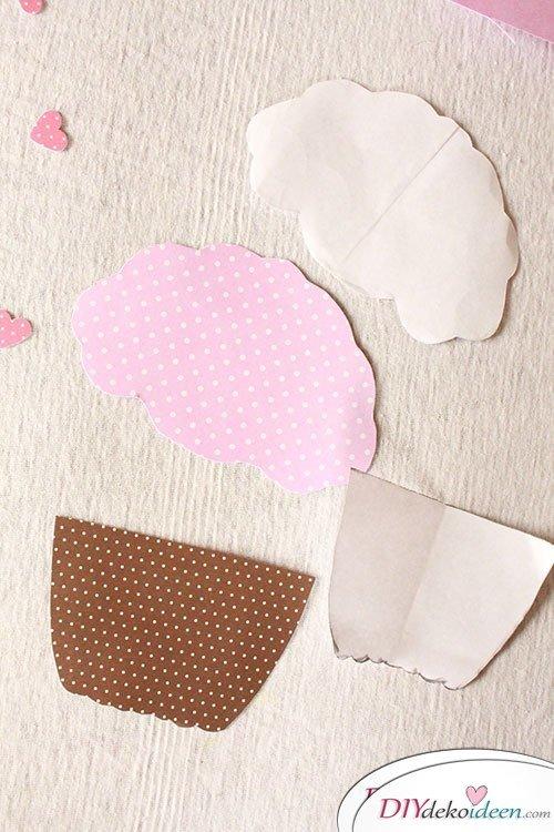 Süße DIY Muffin Einladungskarten aus Papier basteln