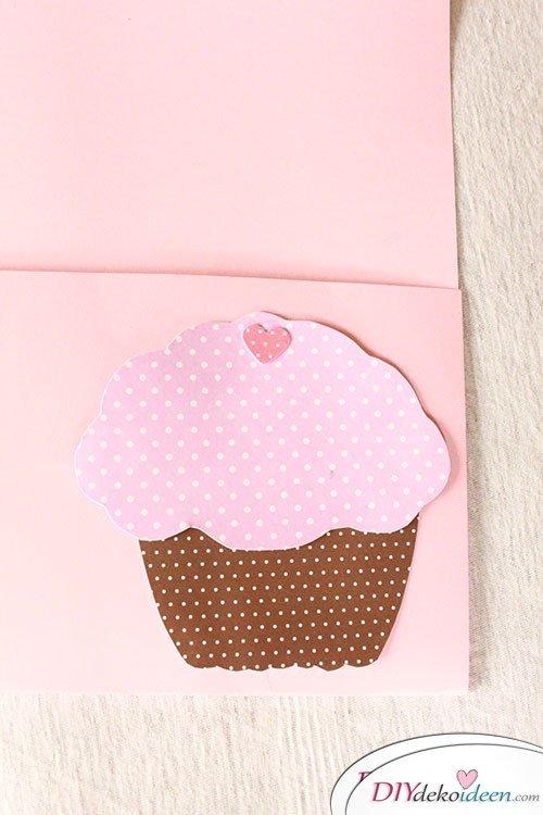 DIY Bastelidee - Muffin Einladungskarten zum Kindergeburtstag