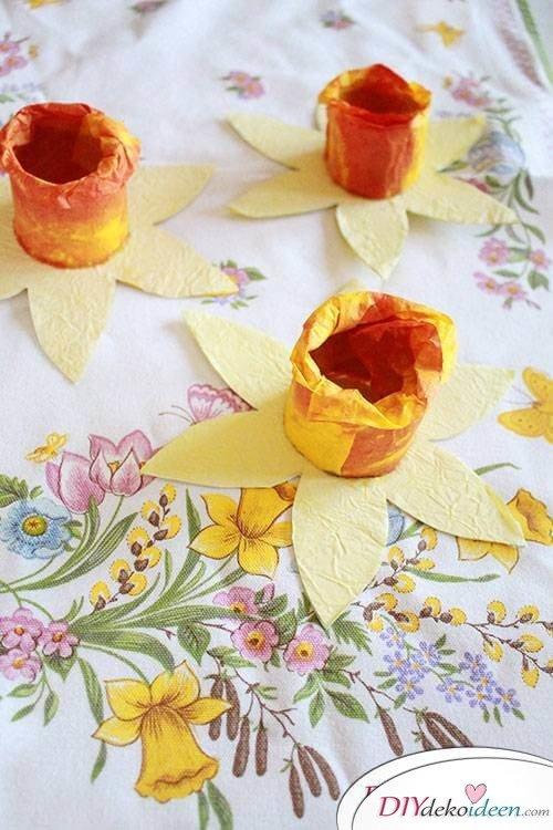 DIY Osterglocken aus Klopapierrollen