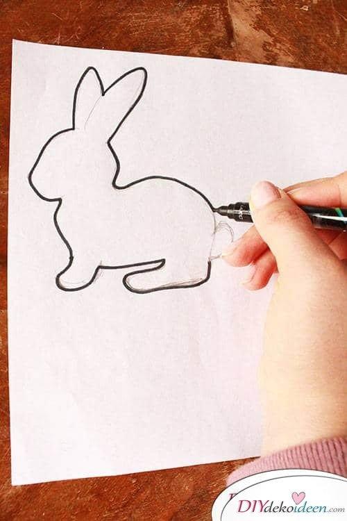 Schablone zeichnen für eine DIY Girlande zu Ostern
