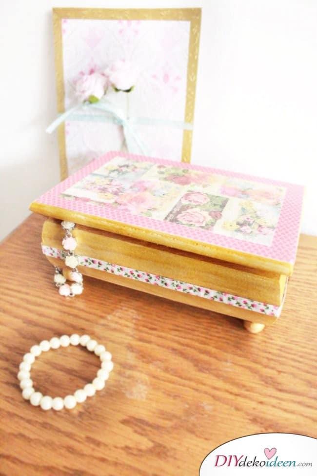 diy schmuckschatulle geschenke zum muttertag mit liebe selber machen. Black Bedroom Furniture Sets. Home Design Ideas