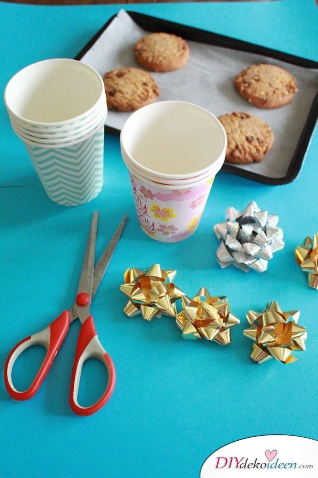 Basteln mit Papier - DIY Geschenkschachtel aus Pappbechern