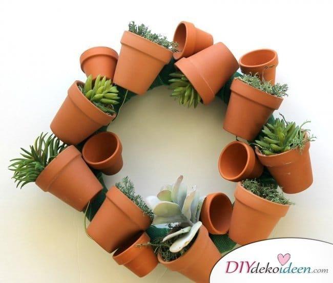 DIY Garten Dekoideen - Terrakotta-Kranz