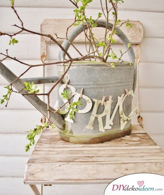 DIY Gartendeko selber machen – Alte Gießkanne