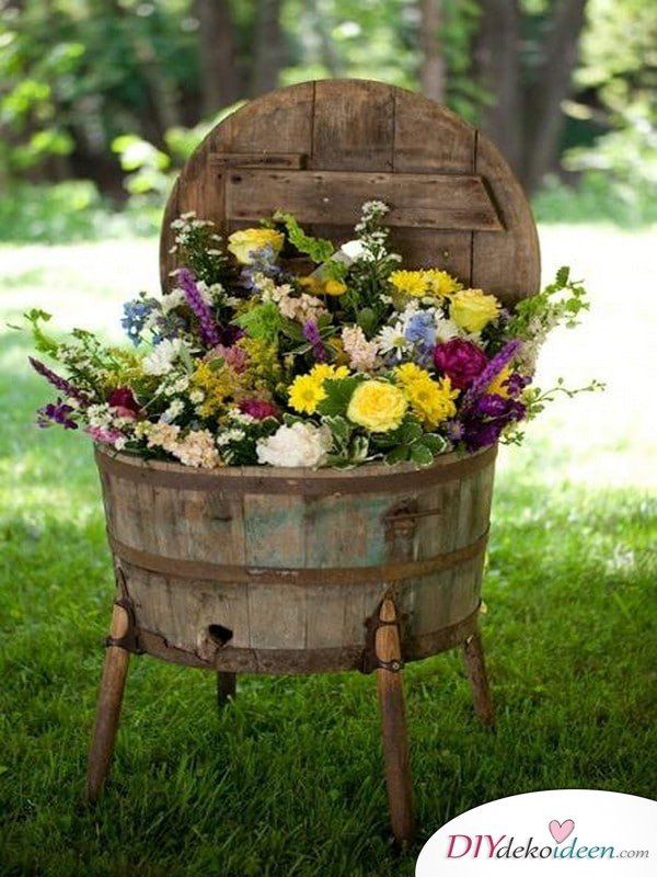 DIY Gartendeko selber machen – Wasserkübel