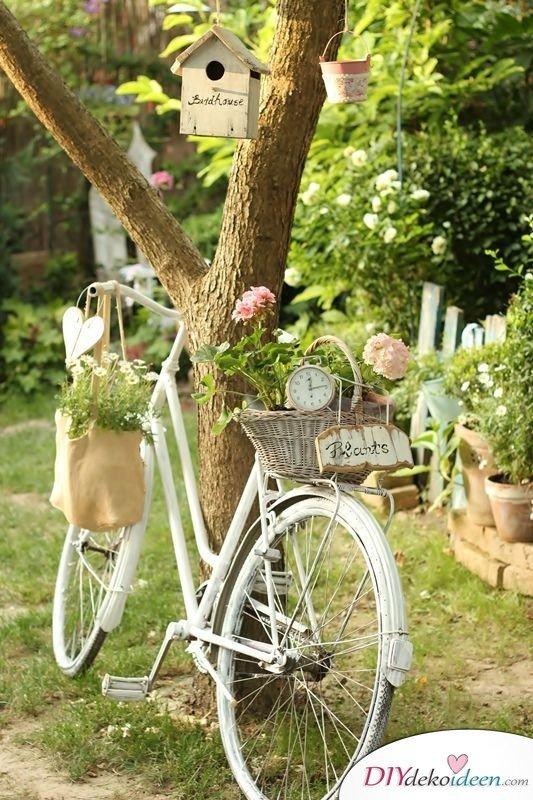 DIY Gartendeko selber machen – Dekorieren mit Fahrrädern