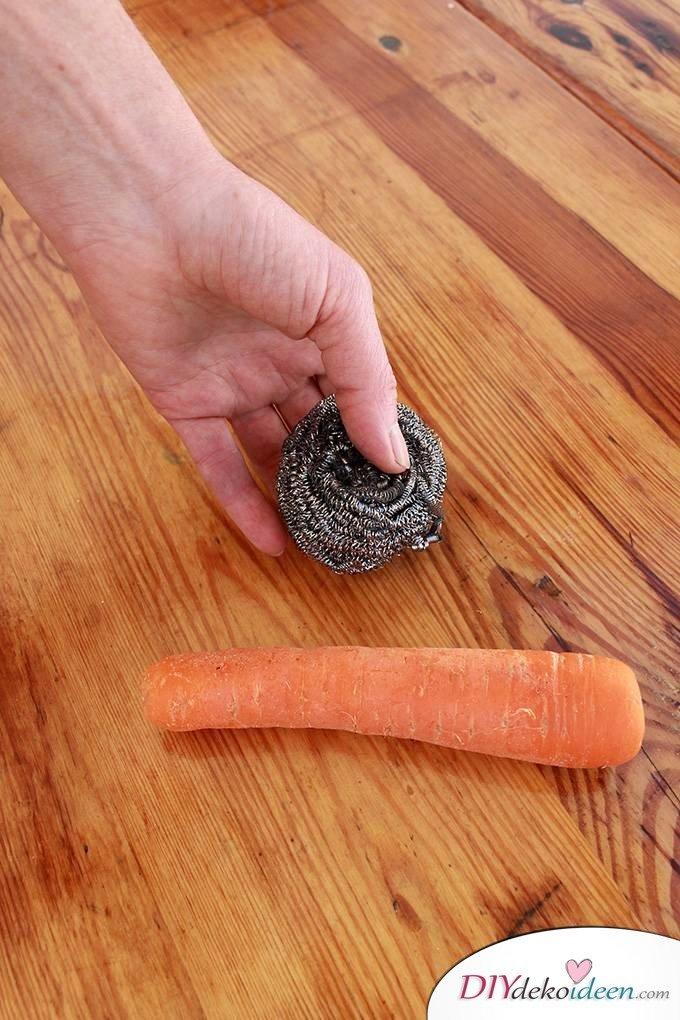 Haushaltstipps und Life-Hacks - Karotten schälen