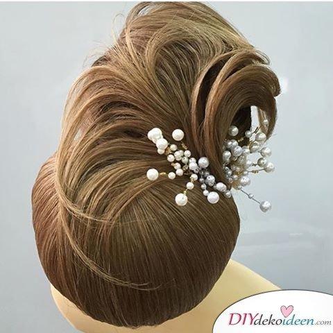 Haarverwandlungen – Hochsteckfrisur Ideen