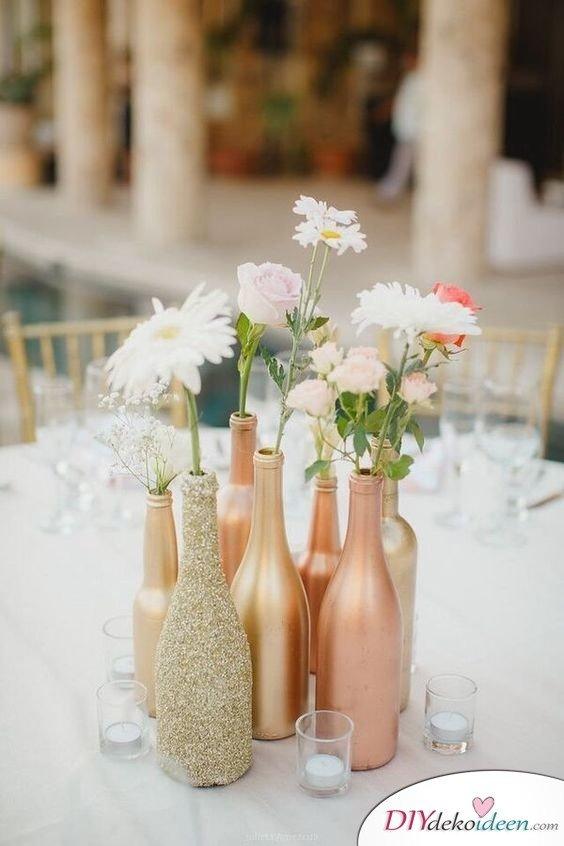 Hochzeitstischdeko Ideen - Weinflaschenvasen