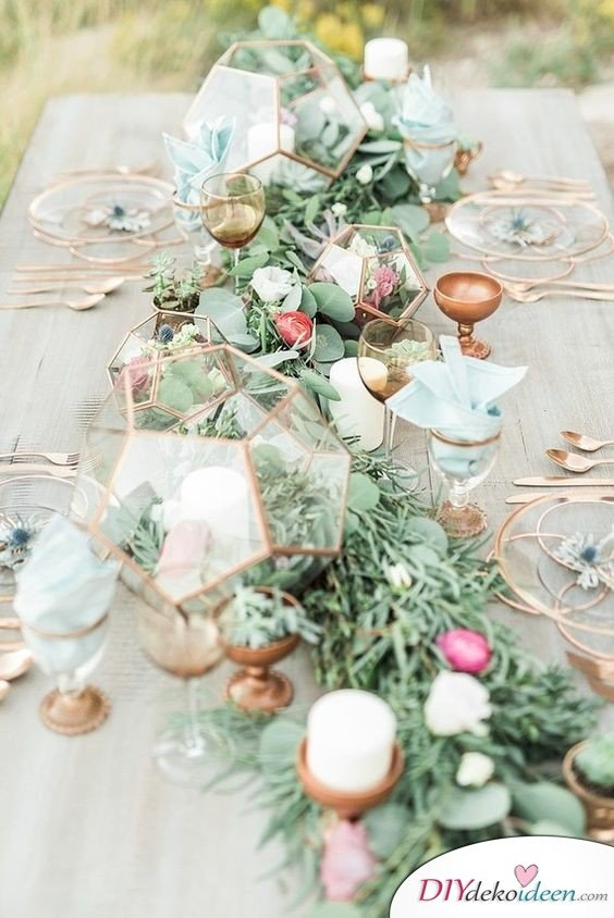 Hochzeitstischdeko Ideen - Tafelaufsatz mit Kerzen