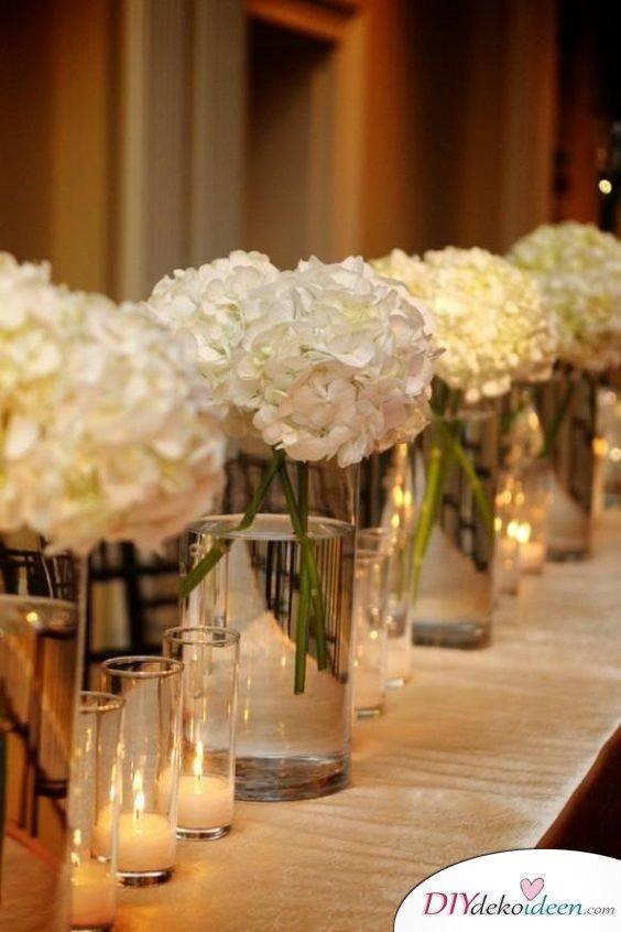 Hochzeitstischdeko Ideen - Hortensien-Vasen