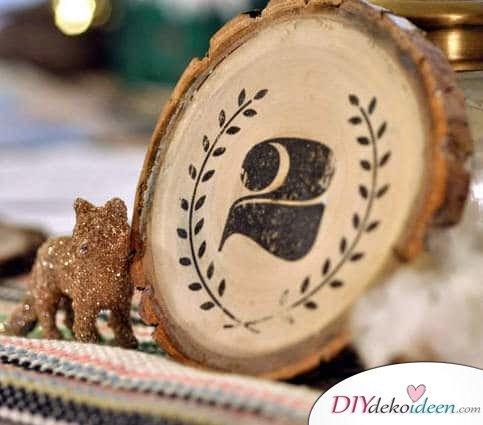 DIY Hochzeitsdekoration Bastelideen - Rustikales Tischnummernschild