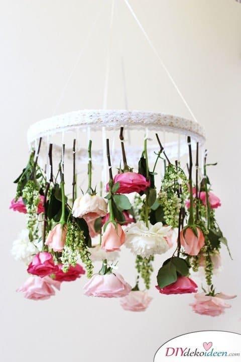 DIY Hochzeitsdekoration Bastelideen - Blumen-Mobile