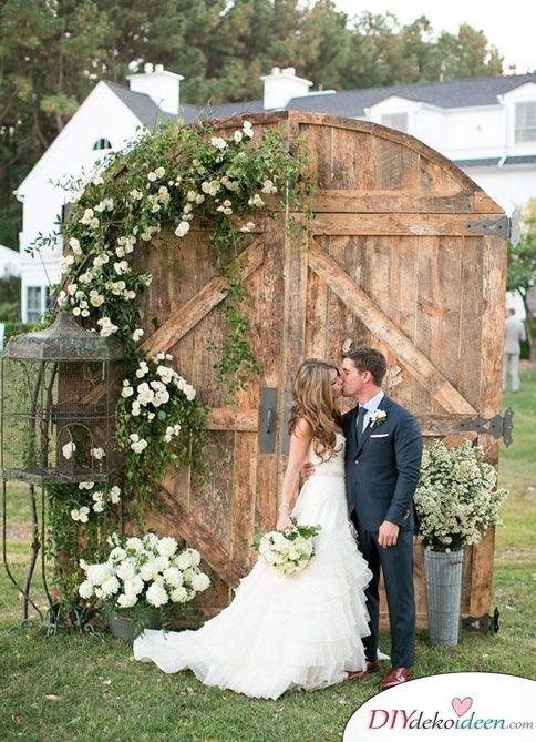 DIY Hochzeitsdekoration Bastelideen - Vintage-Tor als Fotohintergrund