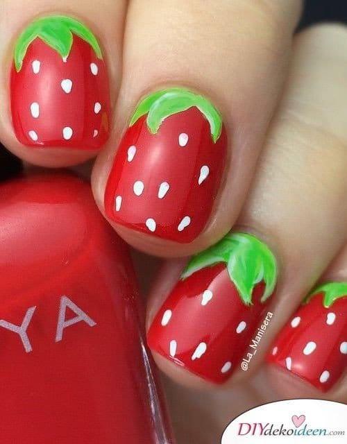 DIY Nageldesign Ideen - Sommernägel - Erdbeernägel