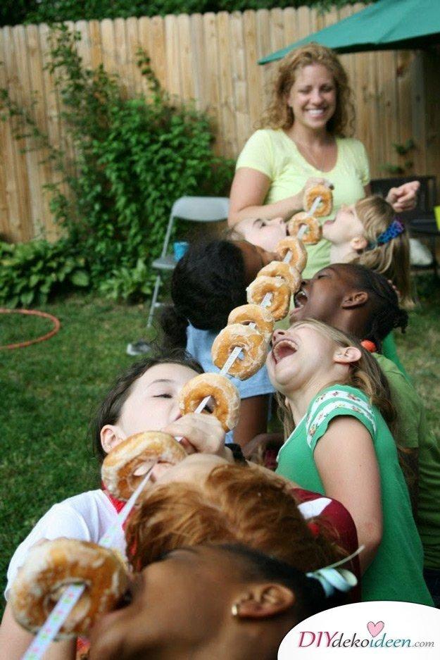 DIY Spielideen für Kinderpartys - Donut Wettessen