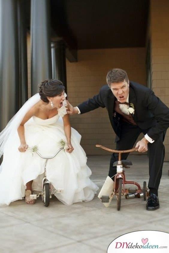 Witzige Hochzeitsfotos - Fotoideen fürs Brautpaar