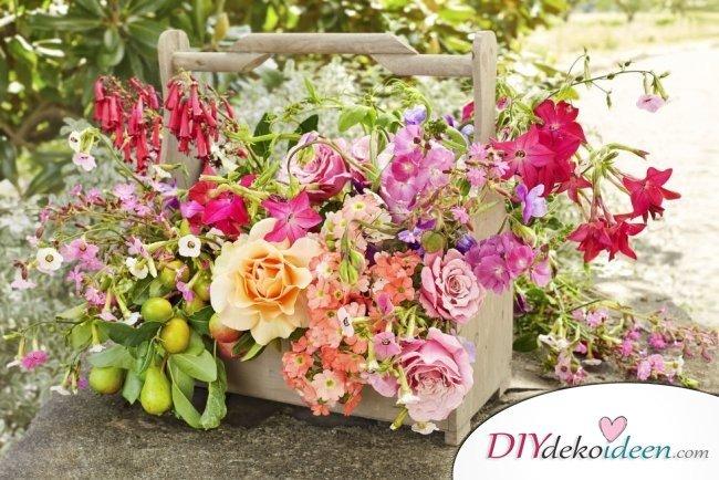 DIY Gartenparty Deko - Blumentischdeko
