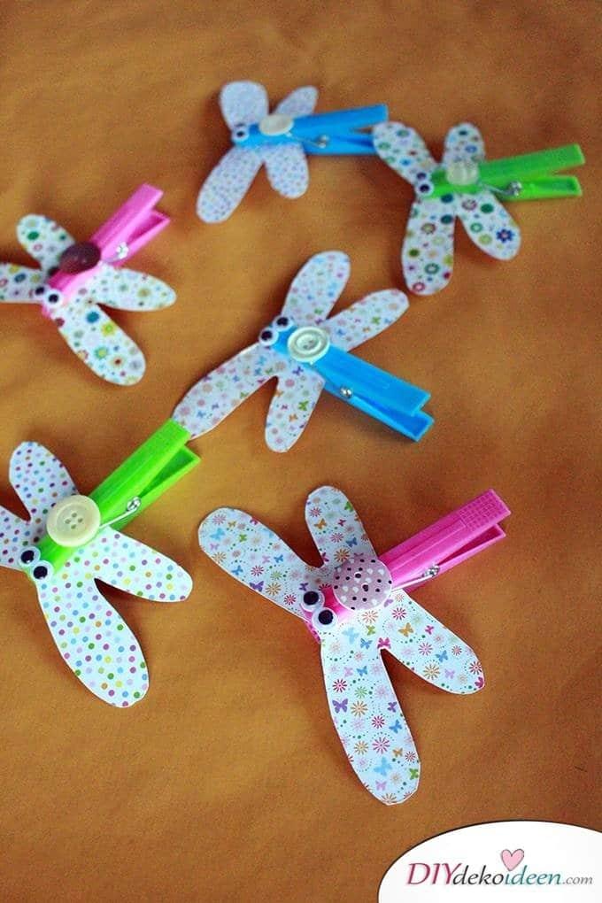 Basteln mit Kleinkindern – DIY Libellen basteln mit Papier