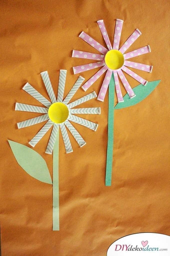 DIY Blumen aus Pappbechern - Basteln mit Kleinkindern