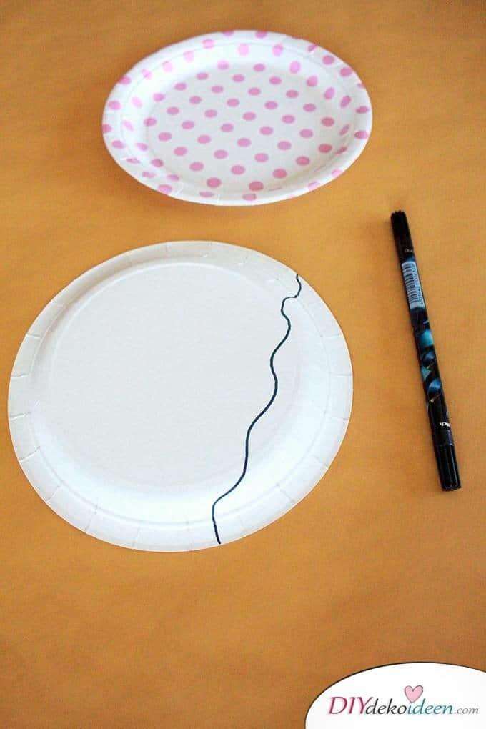 Papptellerquallen - Bastelideen für Kleinkinder
