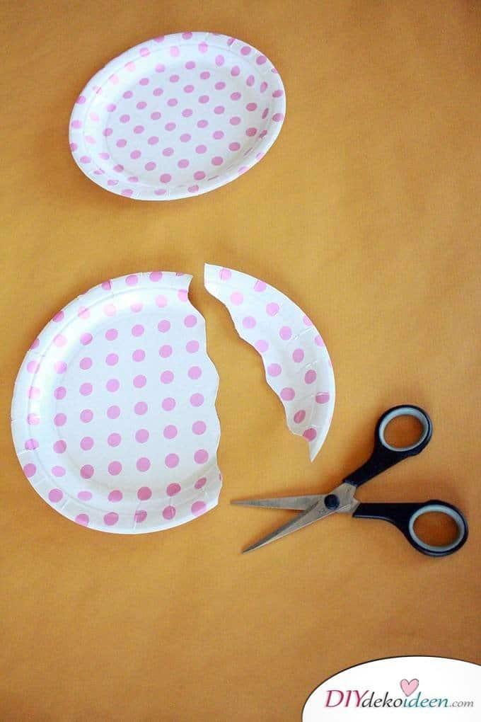 Papptellerquallen - DIY Bastelideen für Kleinkinder