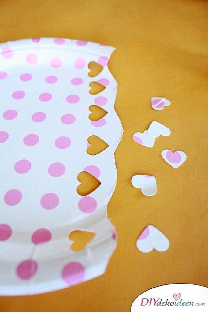 Quallen aus Papptellern - Basteln mit Papptellern