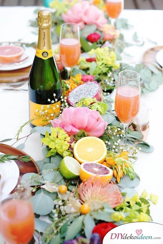 Sommertischdeko selber machen - DIY Blumenschmuck