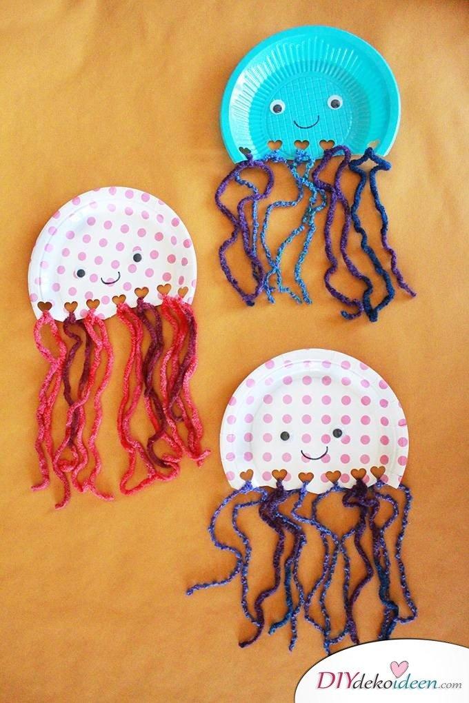 Kinderparty DIY Bastelideen - Papptellerquallen