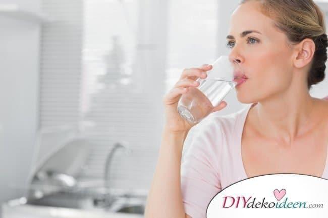 9 Hausmittel gegen Sonnenbrand - Wasser