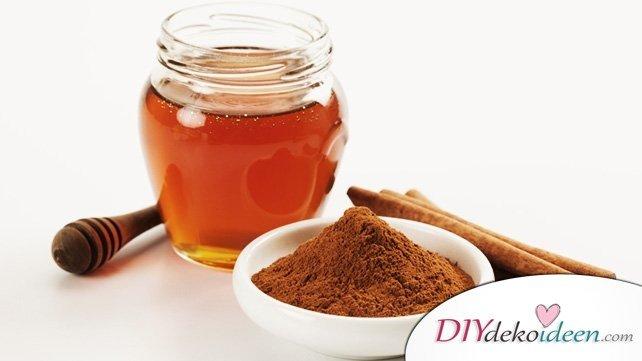 7 Hausmittel gegen Mitesser - Zimt und Honig