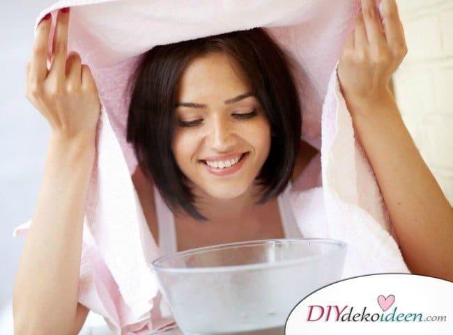 10 Hausmittel gegen Pickel - Gesichtsdampfbad
