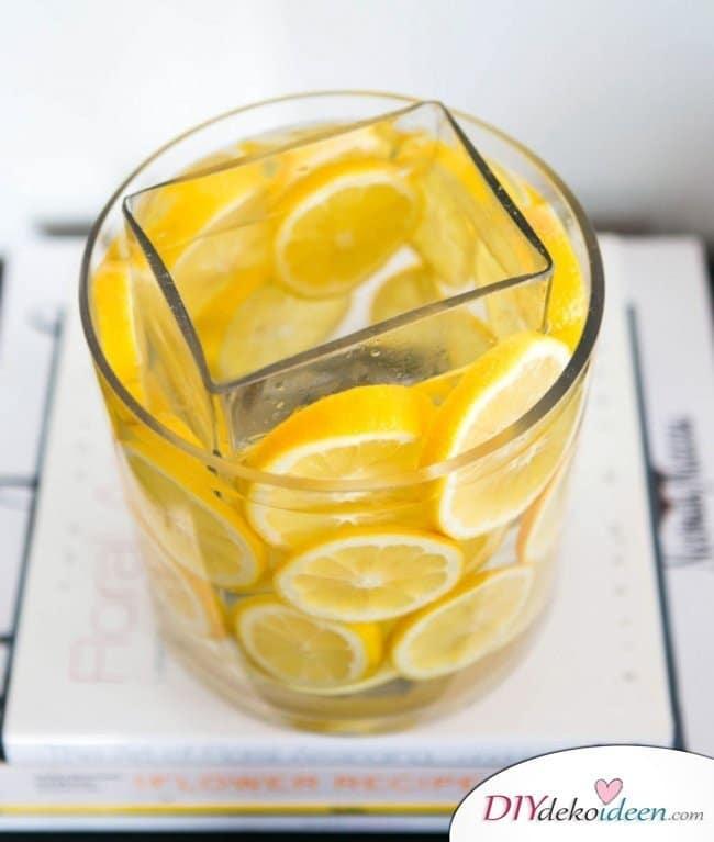 Tischdeko mit Zitronen - DIY Sommer Deko Ideen
