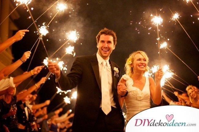 Wunderkerzen zur Hochzeit - romantische Hochzeitsbilder