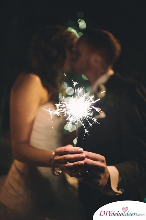 Wunderkerzen zur Hochzeit - Brautpaar Fotos