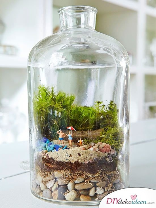 15+ DIY Bürodeko Ideen - DIY Tischschmuck Terrarium