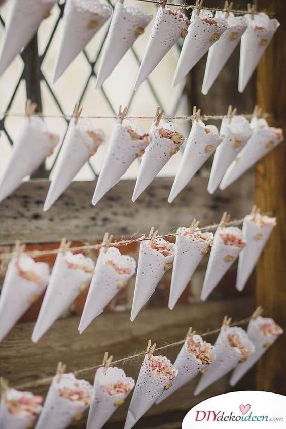 20 + DIY Bastelideen zur Hochzeit - DIY Blumen Konfetti - Hochzeitsbilder