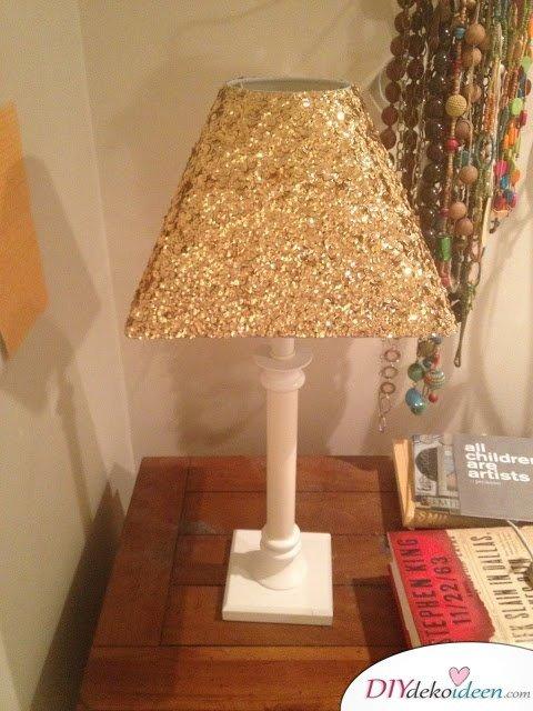 15 Bastelideen DIY Lampen selber machen - DIY Glitzerlampe