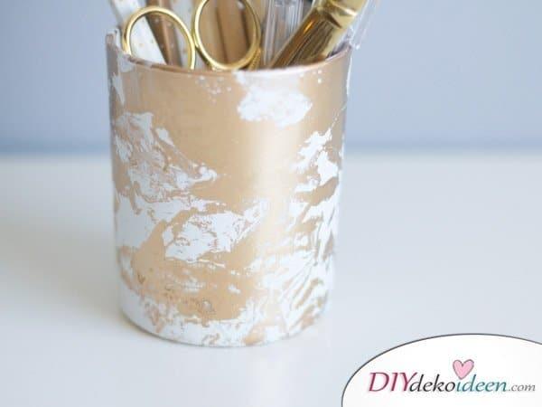 DIY Schulsachen selber basteln - Stiftehalter mit Marmormuster