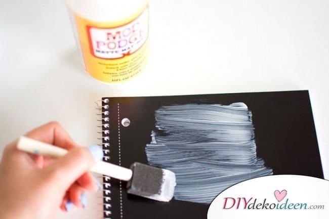 DIY Schulsachen selber basteln - Notizbücher mit Blumenmuster - Anleitung 02