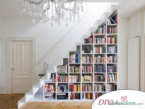 Dekoration für kleine Zimmer - 20 platzsparende Dekoideen - Treppe Regal