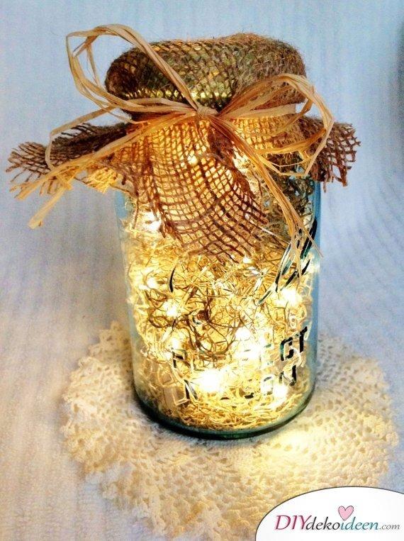 Hochzeitsdeko mit Einmachgläsern - DIY Beleuchtung