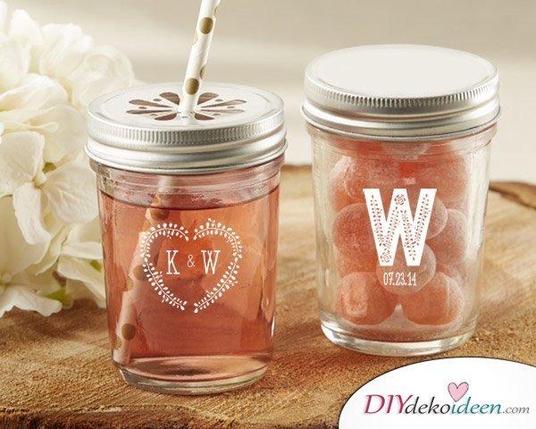Hochzeitsdeko mit Einmachgläsern - DIY Gläser