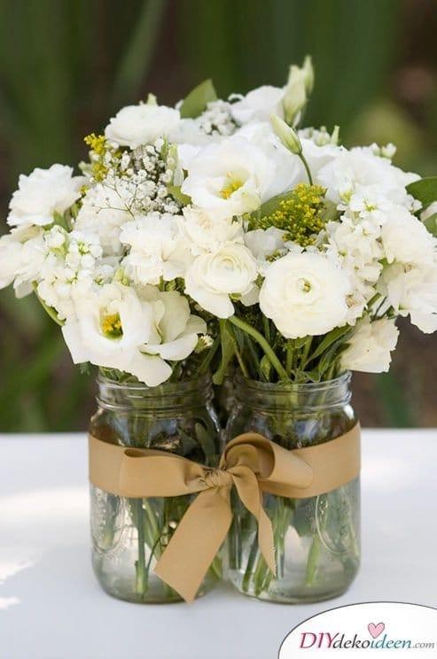 Hochzeitsdeko mit Einmachgläsern - Blumendeko