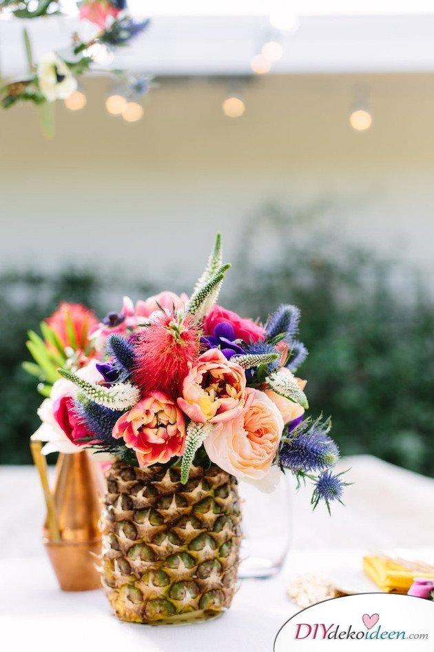 Obst Deko zur Hochzeit – Ananas Tischdeko Blumenschmuck