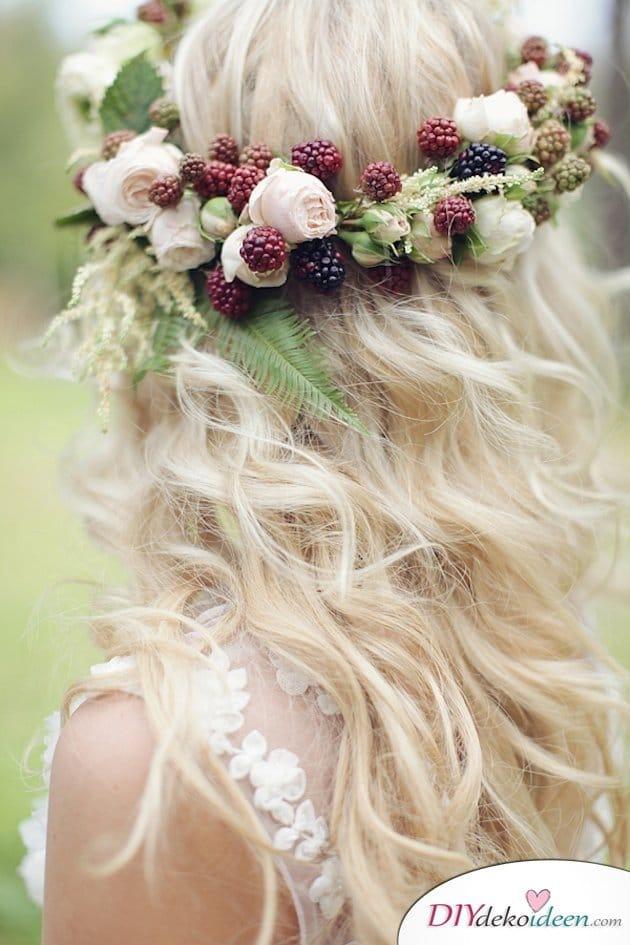 Obst Deko zur Hochzeit – Brautfrisur mit Blumengesteck