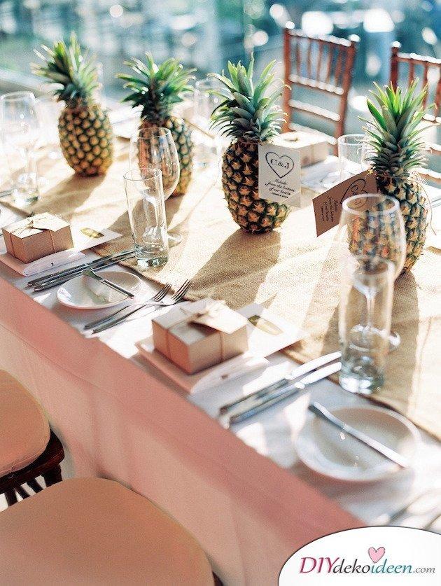 Obst Deko zur Hochzeit – Ananas Tischschmuck
