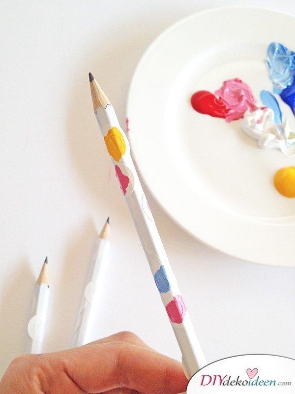 Schulsachen selber basteln - Konfetti-Bleistifte - Anleitung