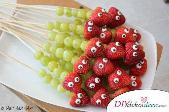30 Sommerparty Deko Ideen - Fruchtspieße